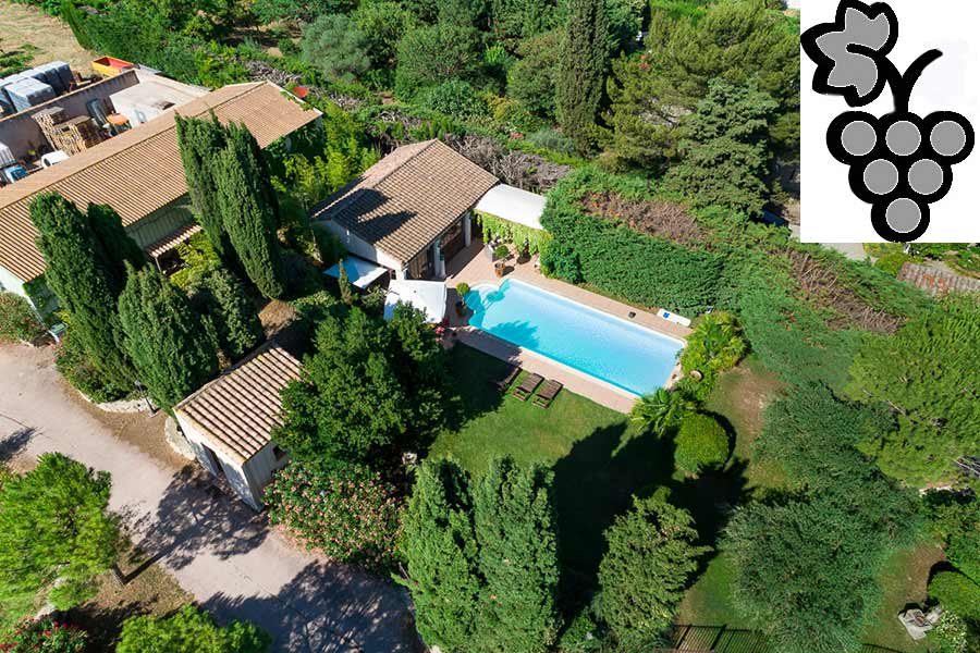 Fine village vines property for sale, pools, staff house