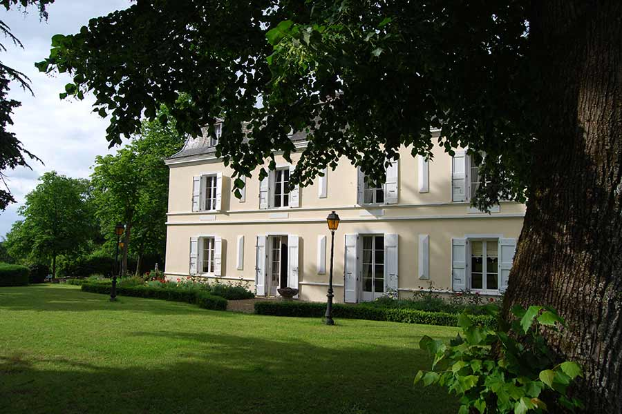 Stunning early 19C Petit chateau for sale near Castres