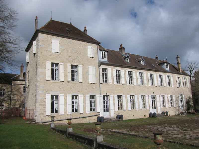 Charming restored 17th C Chateau for sale near Vesoul