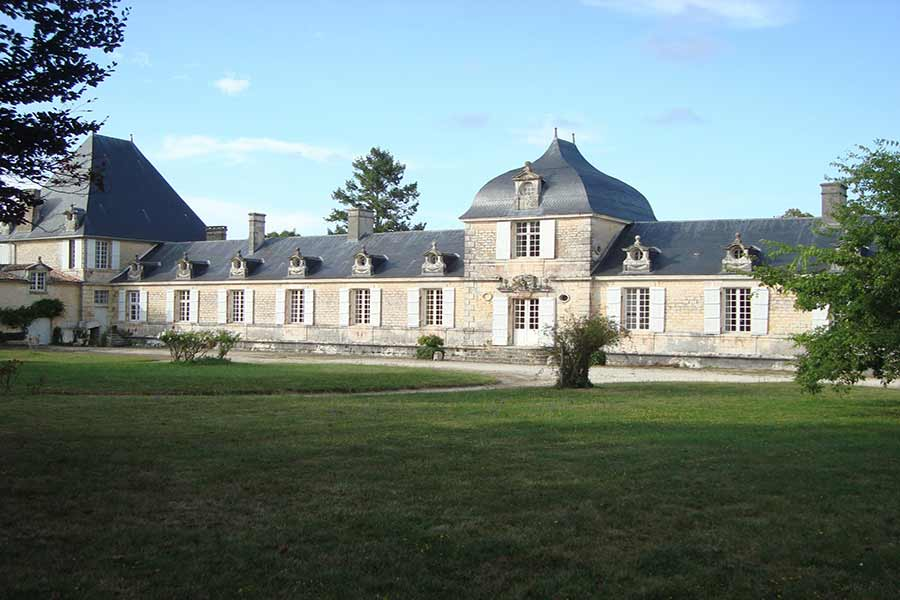 Magnificent Château for sale - 30 mins from Atlantic coast.