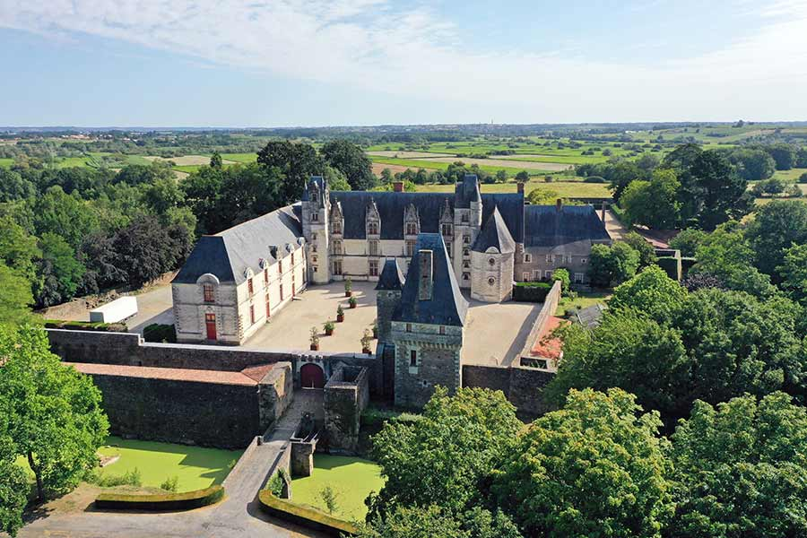 Superb Listed 15th C Chateau for sale on banks of Loire