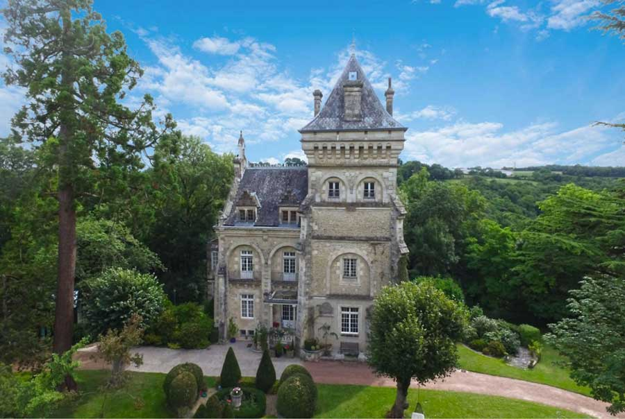 Fine restored 19th C. Chateau for sale - Chapel & Guest house