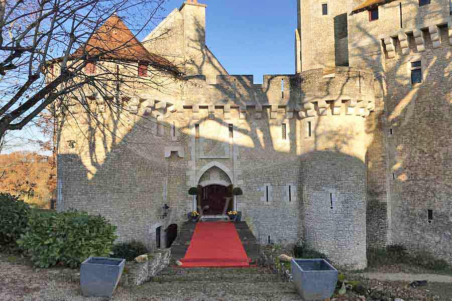 Splendid 11th C. Chateau for sale, River, Pool, 3 Lodges