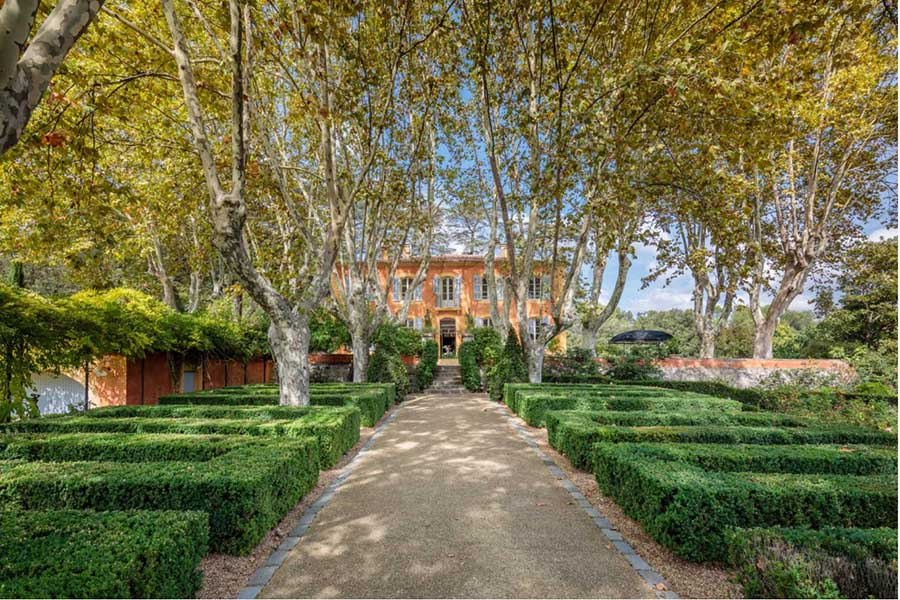 Beautiful 18th C. Bastide for sale near Aix en Provence.