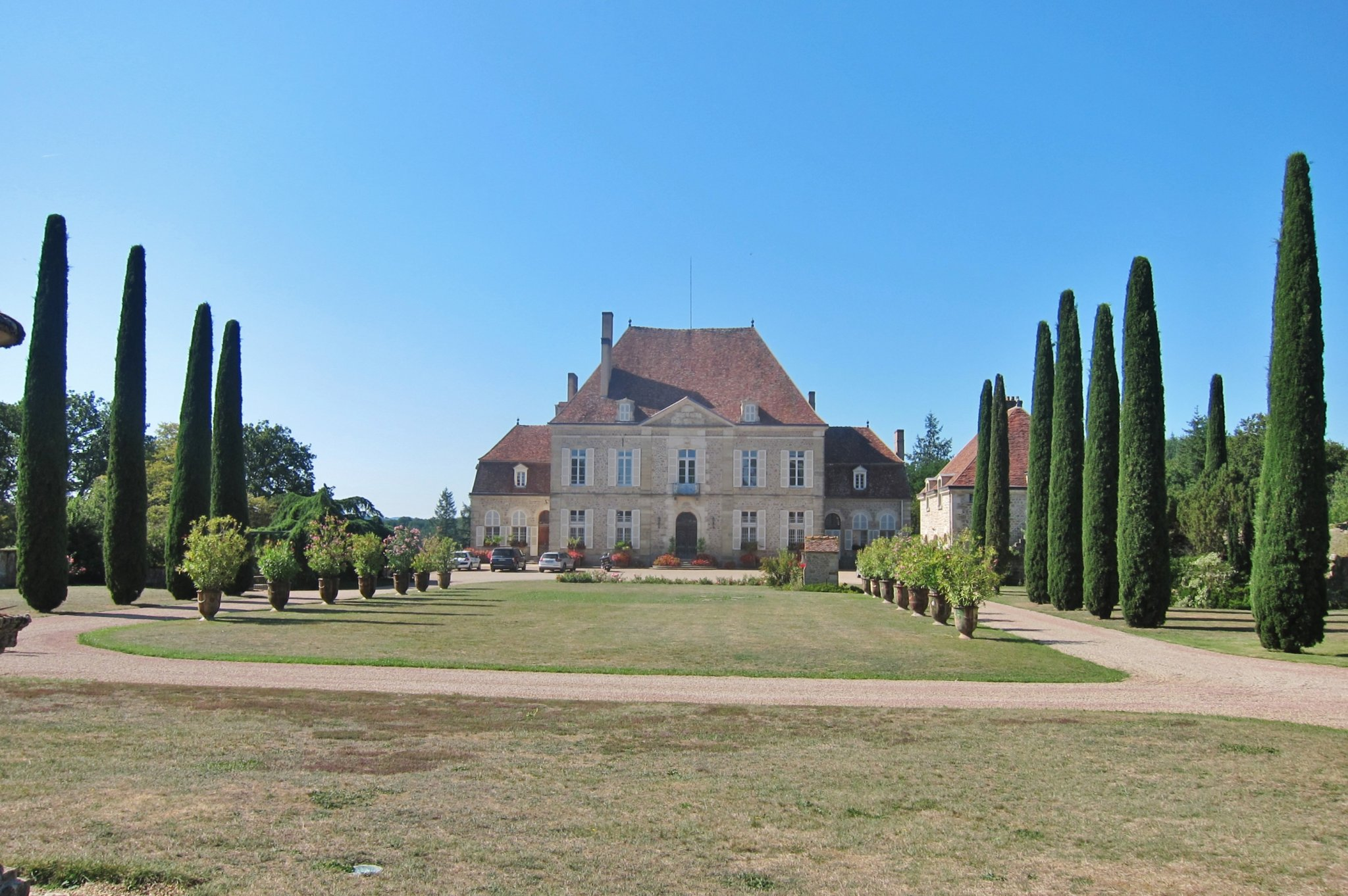 Fine 18th C. Chateau- spectacular grounds with lake