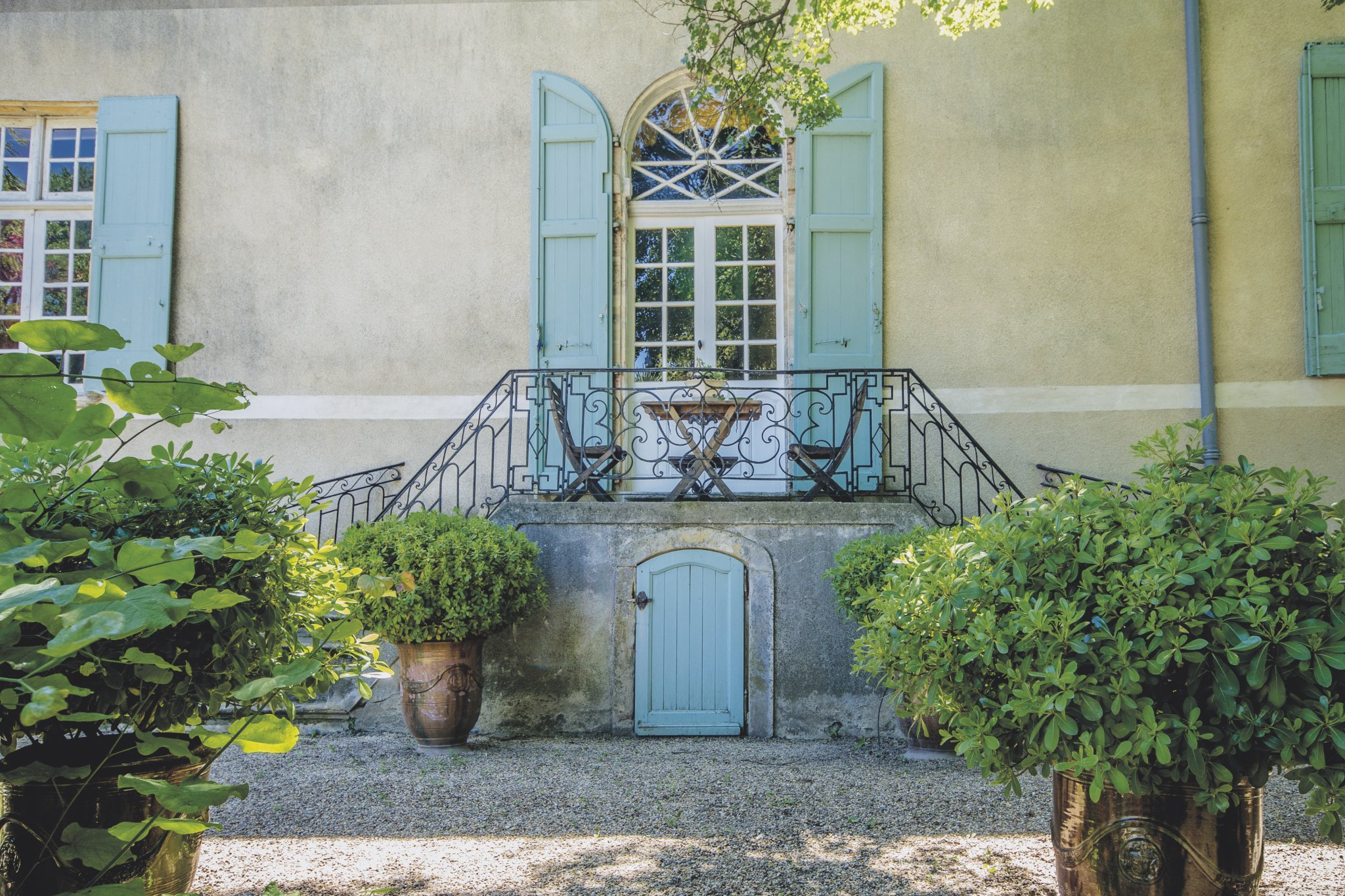 Fabulous listed 13-18th C chateau with chapel and pool