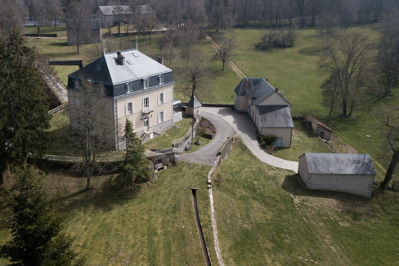 Country estate for sale with outbuildings and ponds