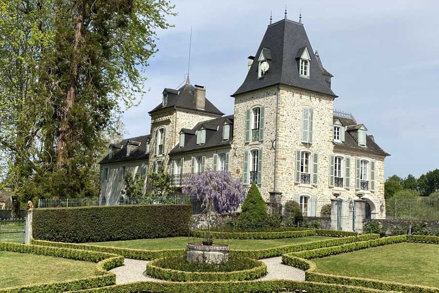 Delightful French property for sale with mountain views