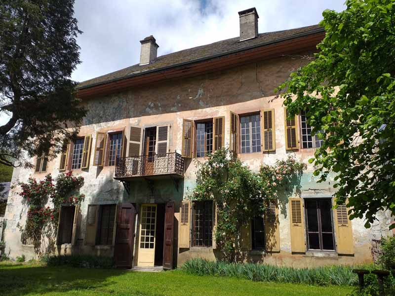 Remarkable 17/18th Chateau to renovate for sale