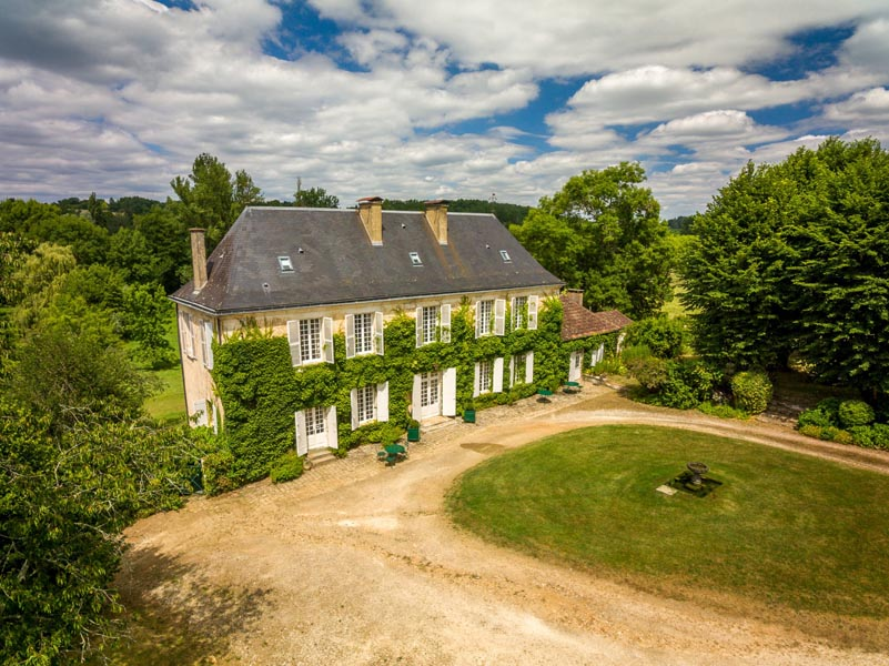 Charming 18th C Manor house for sale near Bergerac