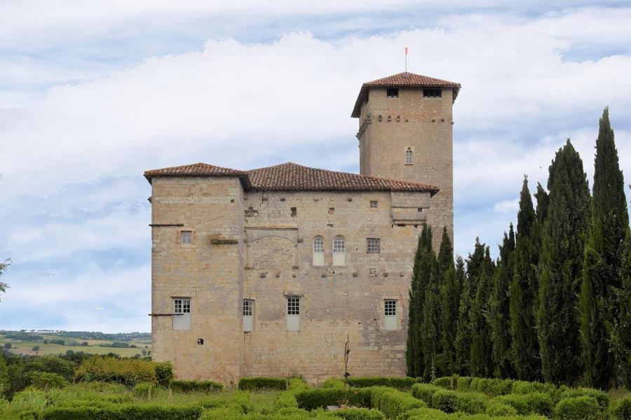 Magnificent medieval Chateau for sale near Lectoure
