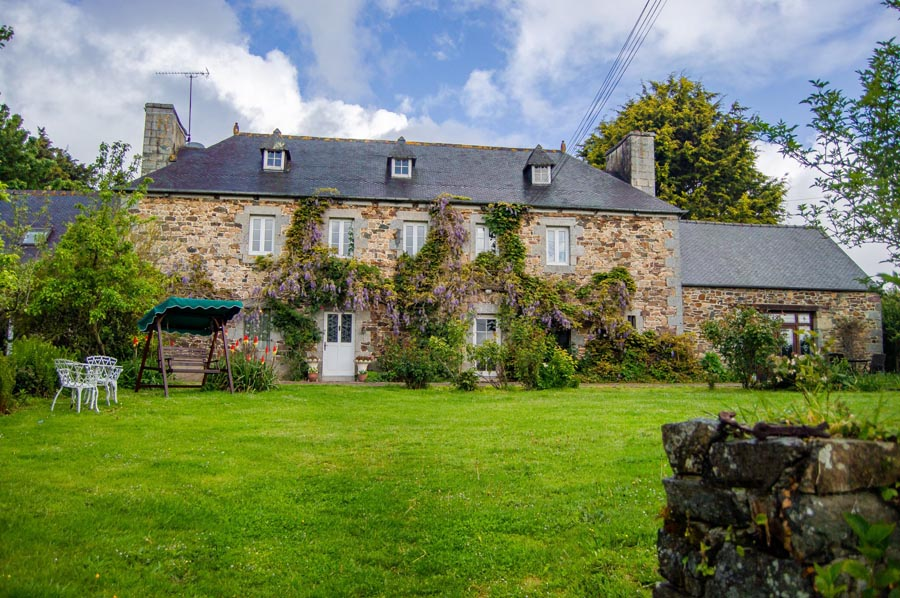 Beautiful country house for sale near Guingamp