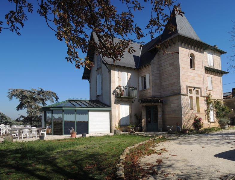 Manor House for sale with views over the vineyards