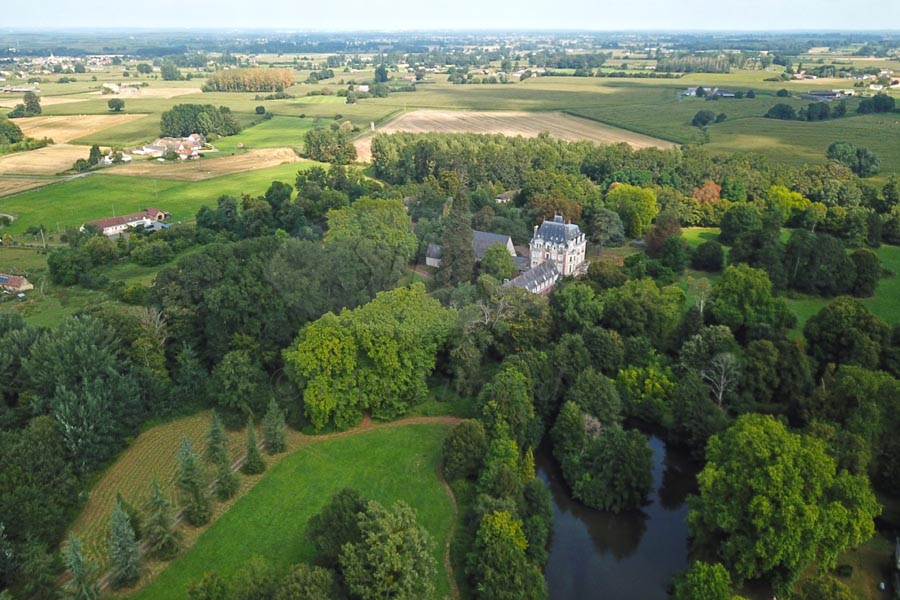 Beautiful 19th C chateau for sale 20km from Le Mans