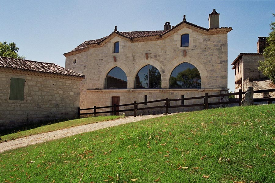 Charming Hamlet with 4 renovated houses for sale