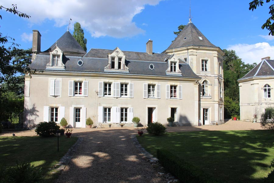 Magnificent chateau for sale in the Touraine