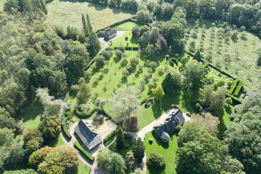 Fabulous domaine with 5 houses for sale- 15mins to sea