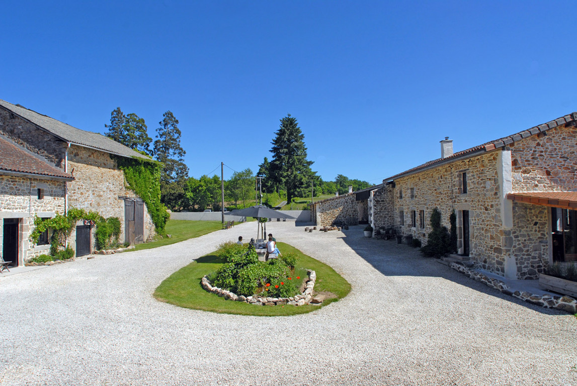 Pretty stone country property for sale with 5 Gites