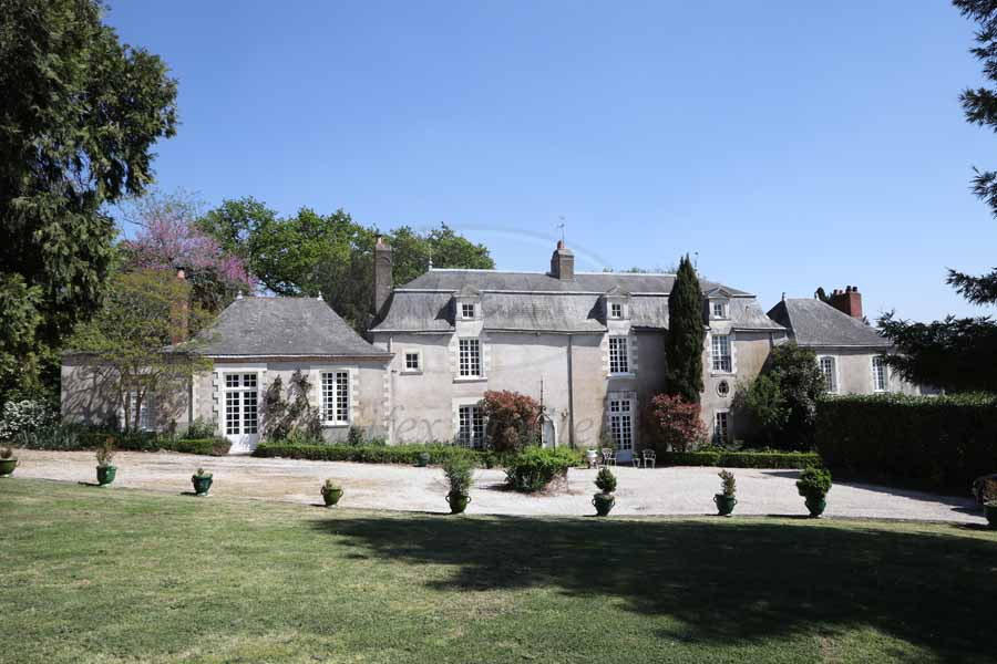 Beautiful 18th C. property for sale near Nantes